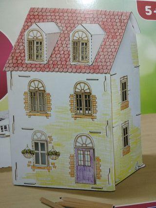Casa muñecas cartón