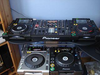 2x CDJ 2000 Pioneer + DJM 2000 Pioneer