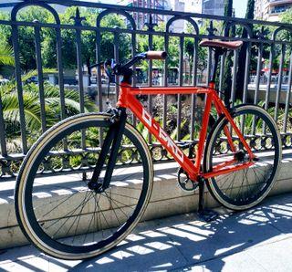 Bicicleta urbana / FIXIE / Single Speed / B-PRO