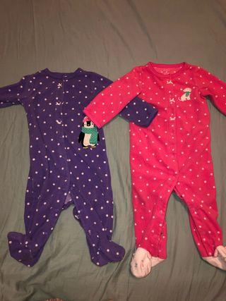 2 pijamas polar de Carter's talla 6-9 meses