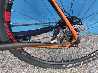 Bicicleta KTM carbono