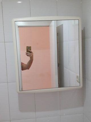 Armario kn espejo