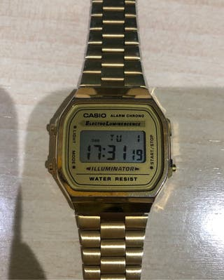 Casio reloj digital dorado