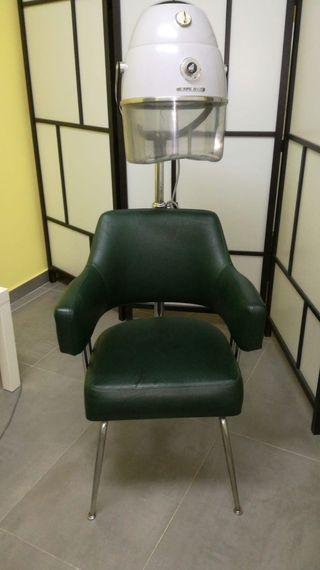 Secador vintage de peluquería. Secador de casco.