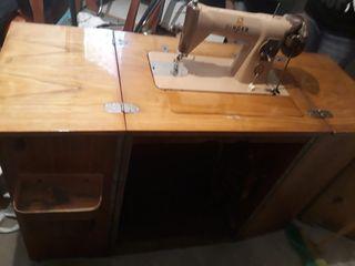 Maquina coser. Singer