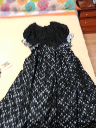 falda de baturra corpiño y delaltal y de regalo