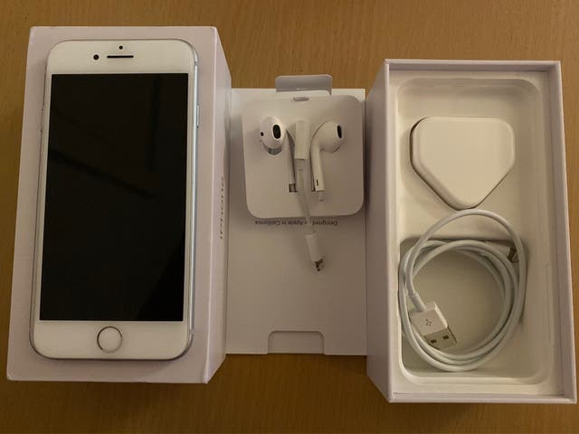 SILVER IPHONE 8 VODAFONE