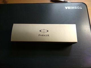 Pluma estilográfica (Parker) con caja y tinta