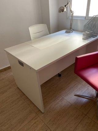 2 mesas de oficina con silla ACTIU