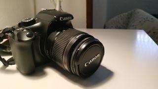 Cámara de fotos reflex Canon 1100D + accesorios