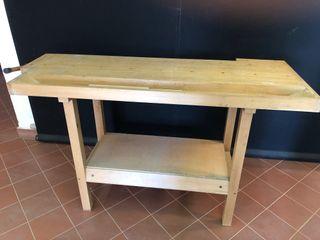 Se venden 2 bancos de carpintero de madera