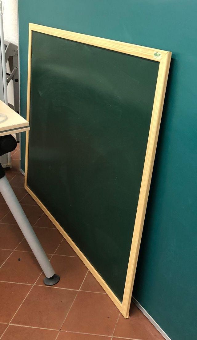 e vende 1 pizarra verde de tiza con marco madera