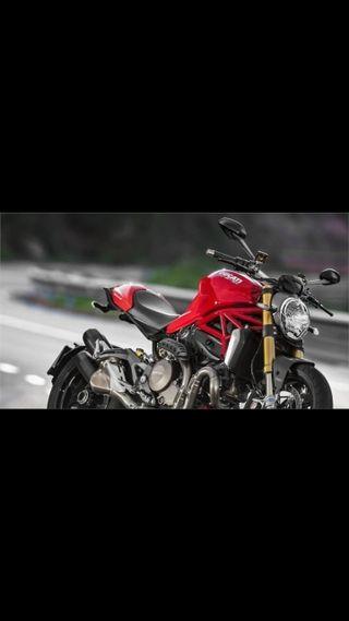 MOTO DUCATI MONSTER 1200S