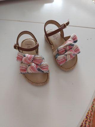 Sandalias para niñas de segunda mano en la provincia de