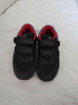 Zapatillas Nike niños de segunda mano en Torrejón de Ardoz
