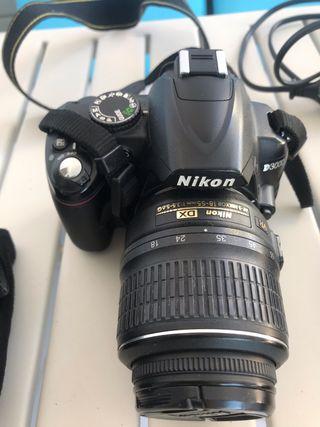 Se vende cámara réflex Nikon D3000
