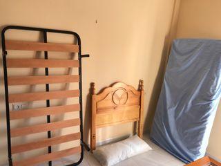 Vendo conjunto completo de cama colchón y cabecero