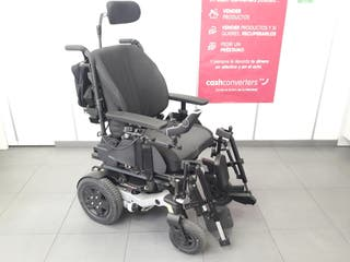 Silla de ruedas motorizada con elevacion.
