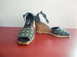 Sandalias de cuña Gloria Ortiz
