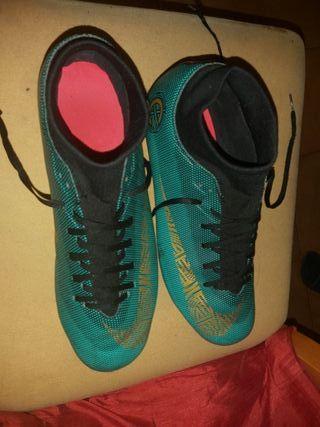 Botas de futbol mercurial talla 40