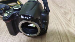 Cámara Nikon D5000 (4200disparos) + 3 objetivos