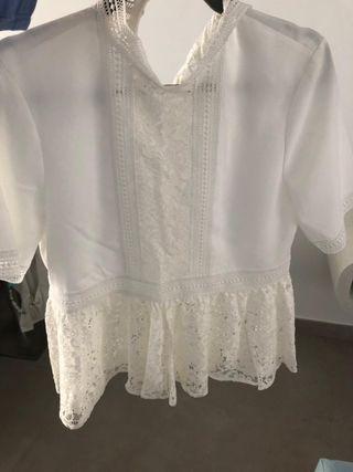 Blusa de encaje blanca