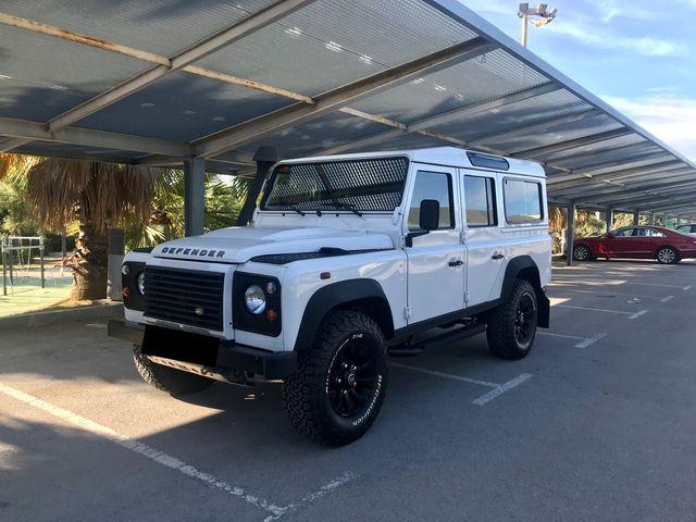 Land Rover Defender Muy Cuidado