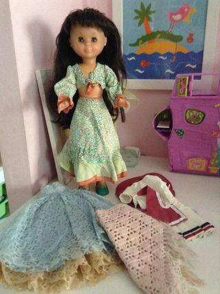 Nancy con ropa