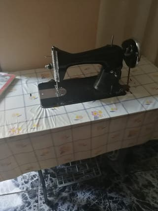 maquina de coser a peda