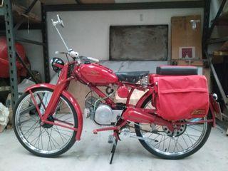 Motocicleta Guzzi-Hispania 65cc, 2 plz. restaurada