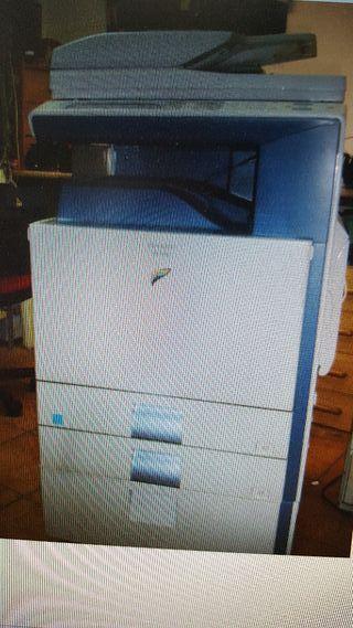 Fotocopiadora láser color Sharp MX -2300