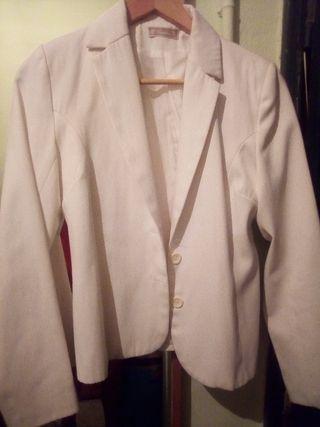 chaquetas y vestidos