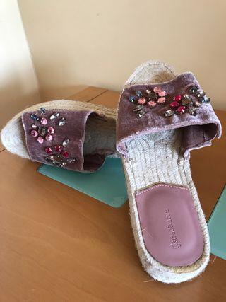 Sandalias abalorios colores