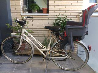 Bici antigua con sillita