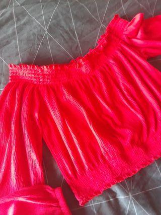 Blusa roja H&M descubierto hombros