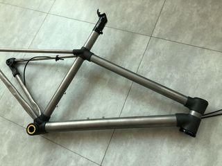 Cuadro bici titanio( gravel)