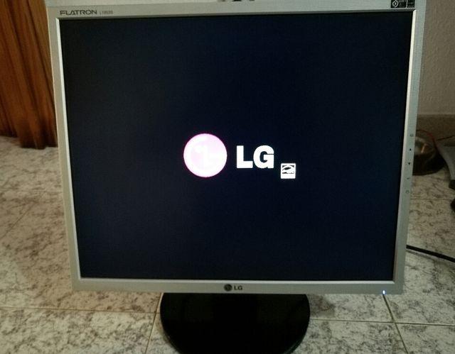 """pantalla para ordenador LG Flatron 19 """""""