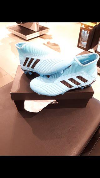 Botas de fútbol adidas talla 40 cesped artificial