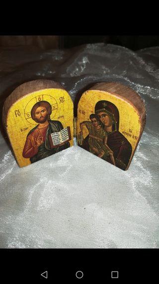 Díctico religioso en madera tallado
