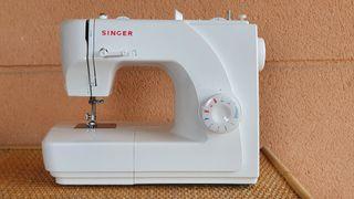 Máquina de coser Singer modelo 1507