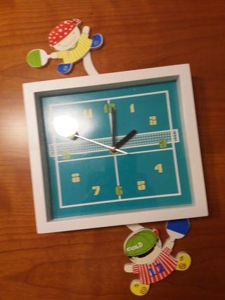 Reloj infantil de pared.