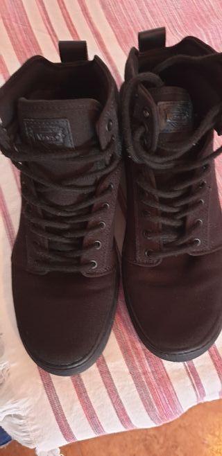 zapatos Vans caña alta