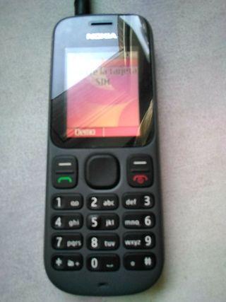 Móvil Nokia libre y aparato control glucosa