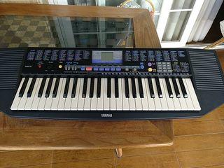 Piano-Teclado electrónico YAMAHA