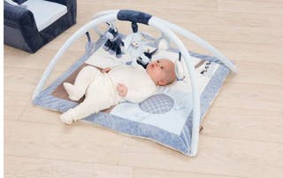 Preciosa manta-gimnasio bebe