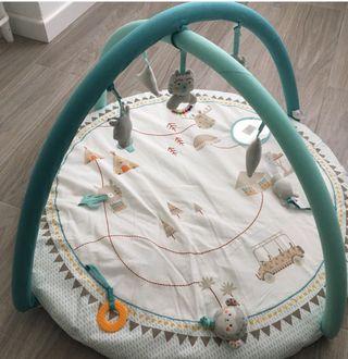Area actividades manta gimnasio bebé