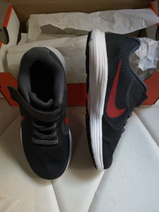 Zapatillas niño t-30 nuevas bambas nike
