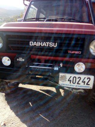 Daihatsu rocky 1985
