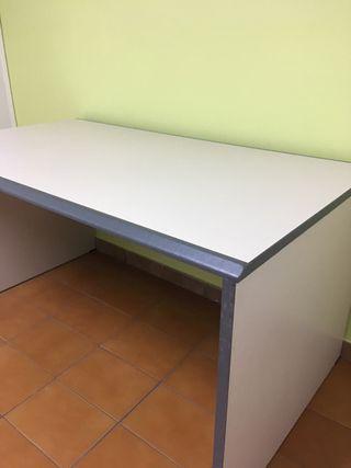 Mesa despacho y muebles a juego