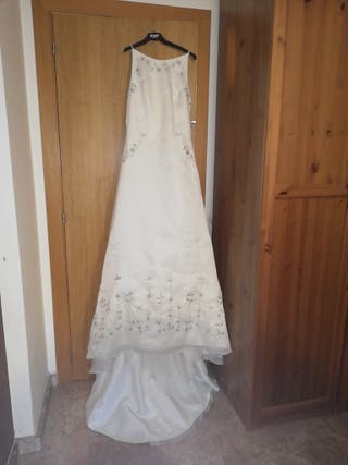 vestido de novia y abrigo